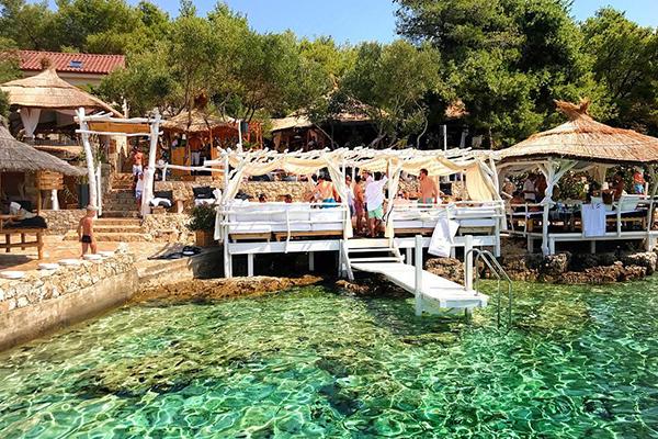 5 Must-Visit Seaside Lounge Bars and Restaurants in Croatia-Laganini.jpg