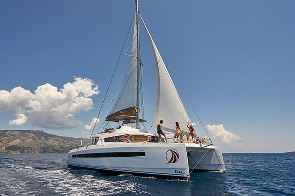 Skippered-Bareboat.jpg