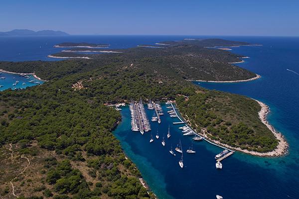 sailing-route-kastela-palmizana.jpg