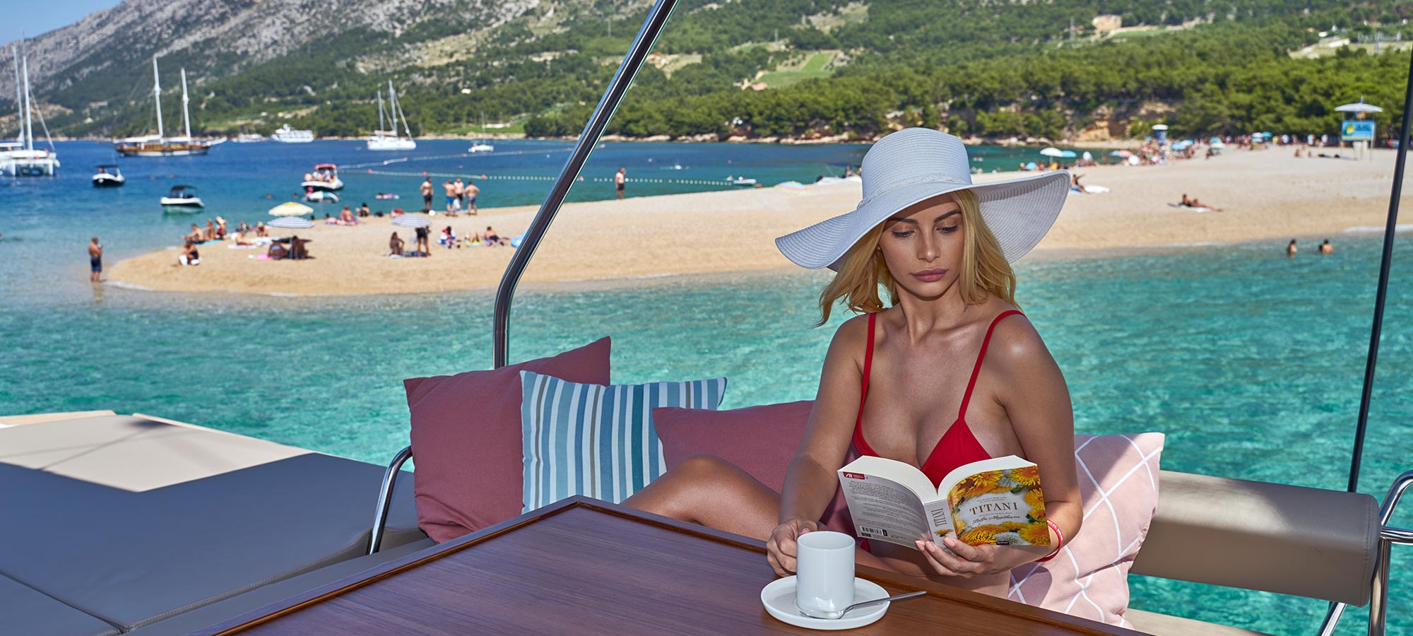 Top 4 books to read on your sailing vacation