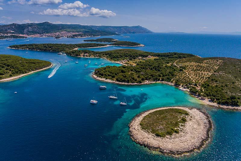 Sailing routes on Adriatic sea