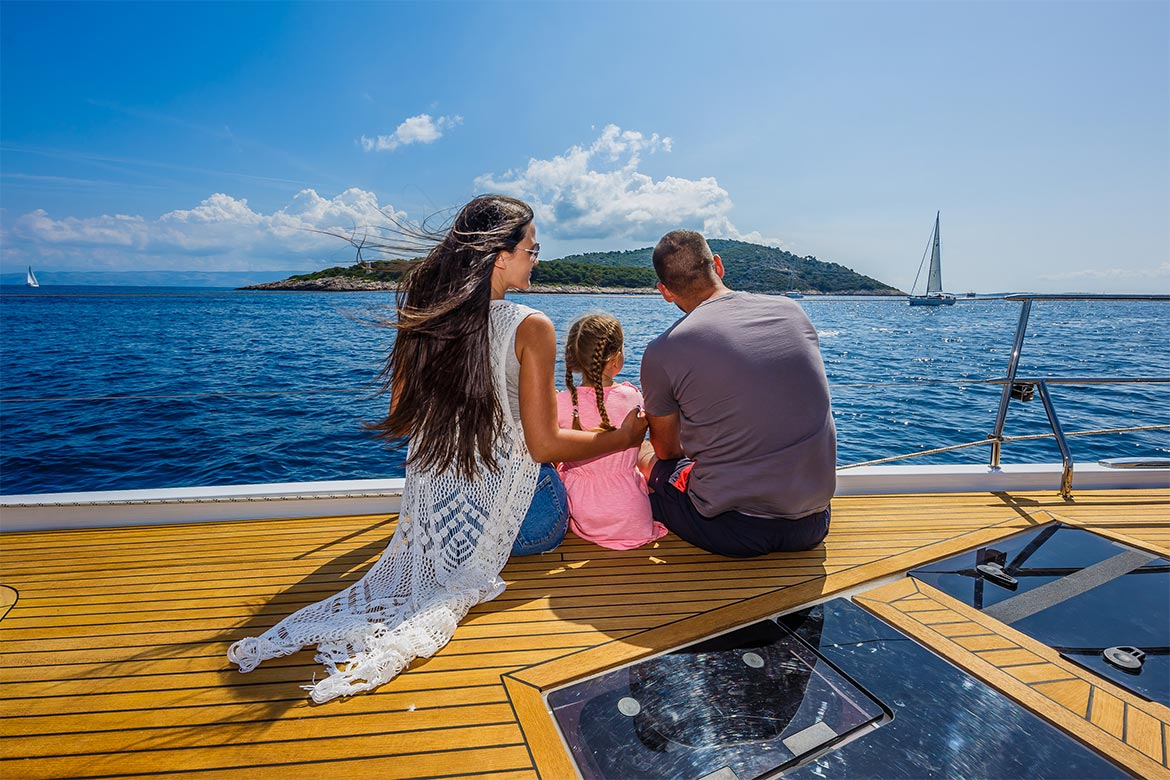 Bareboat sailing with family
