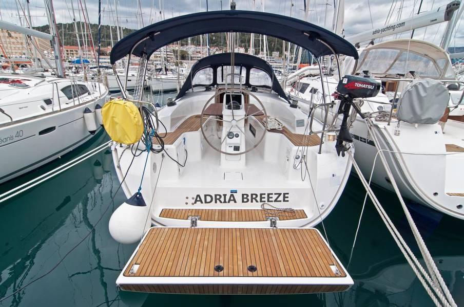 Bavaria Cruiser 33  | Adria Breeze