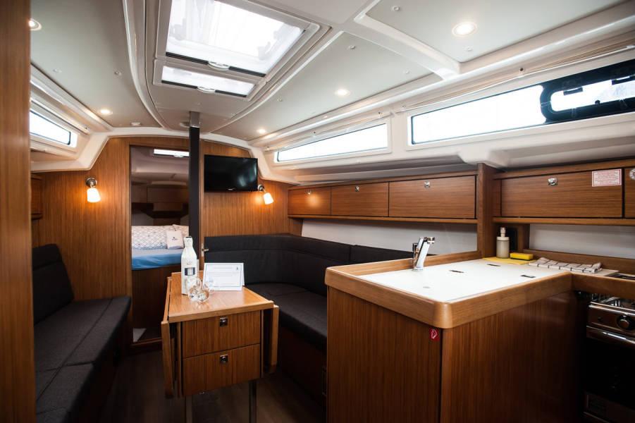 Bavaria Cruiser 34  | Neo - with A/C