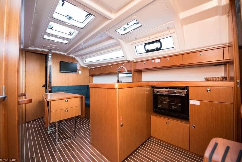 Bavaria Cruiser 37  | Rea