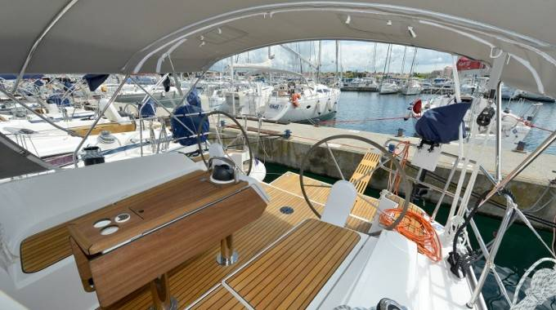 Bavaria Cruiser 37    Prima