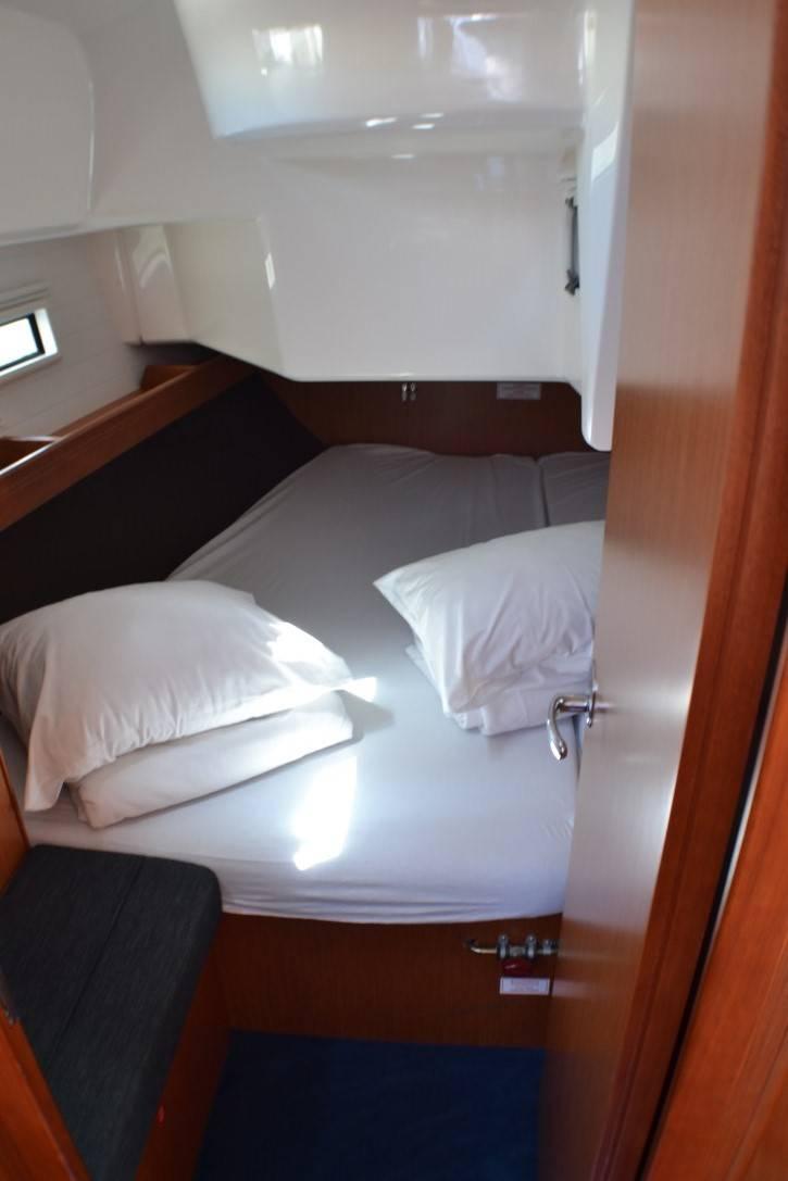 Bavaria Cruiser 37  | Hana
