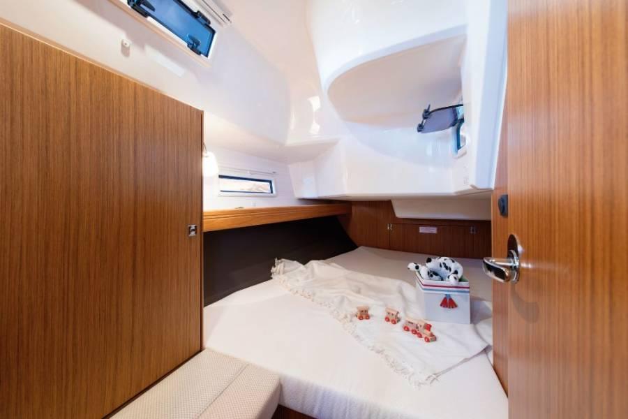 Bavaria Cruiser 37  | Sweet Angelina