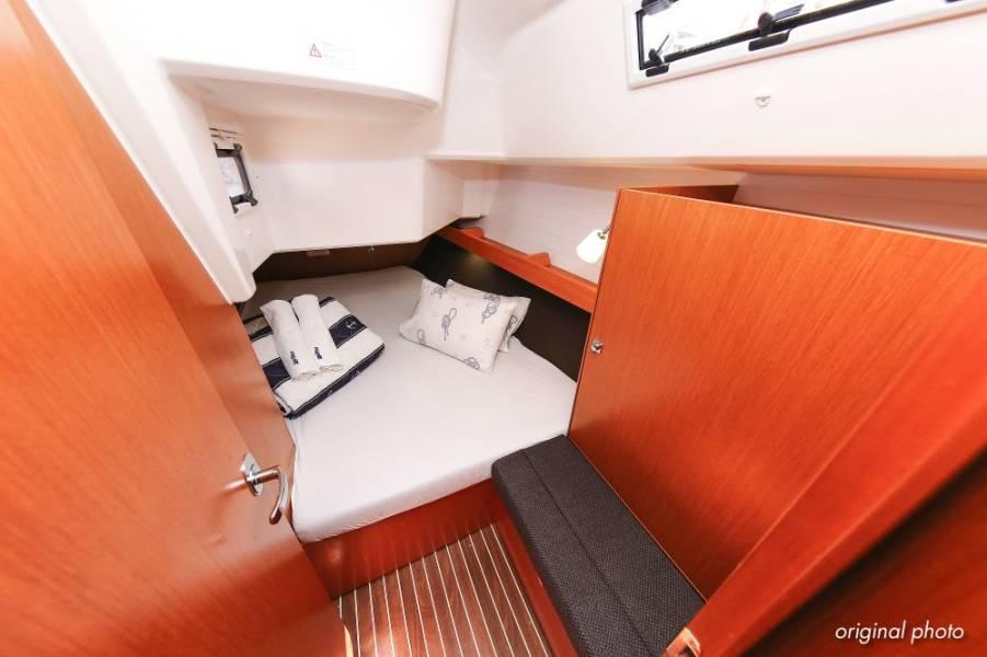 Bavaria Cruiser 37  | Hang Loose