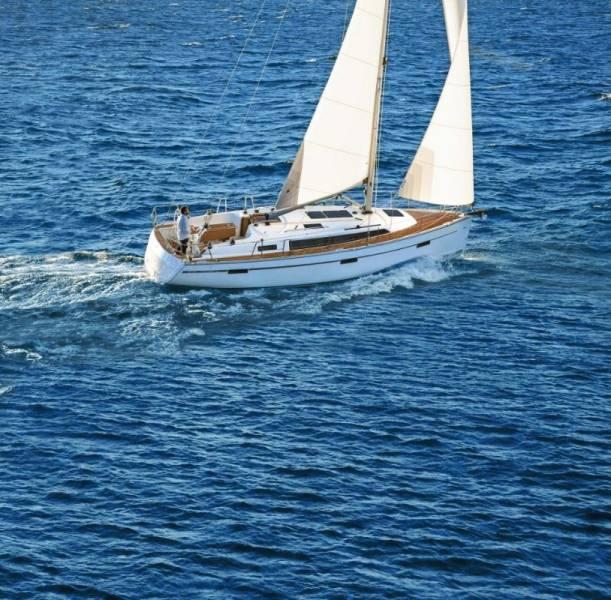 Bavaria Cruiser 37 | Julia
