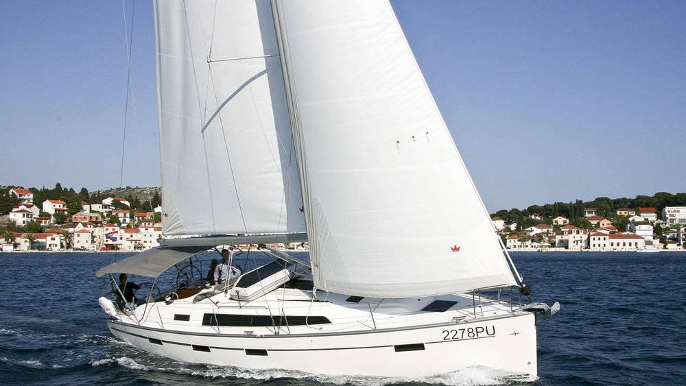 Bavaria Cruiser 41    Maestral