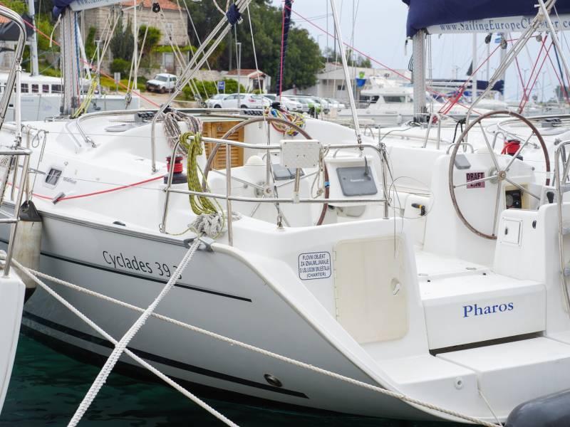 Cyclades 39.3   Pharos