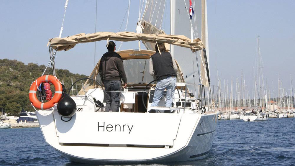 Dufour 382 GL  | Henry