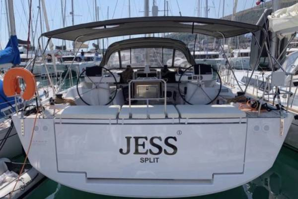 Dufour exclusive 5 | Jess- fully equ