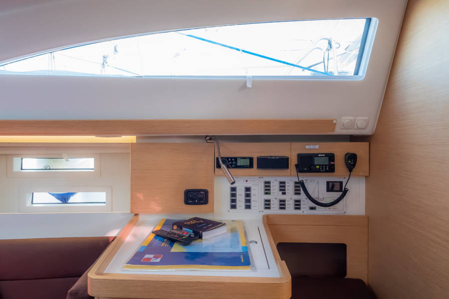 Elan Impression 45  | Amiya (LCD TV, AC, heating, bowthruster)