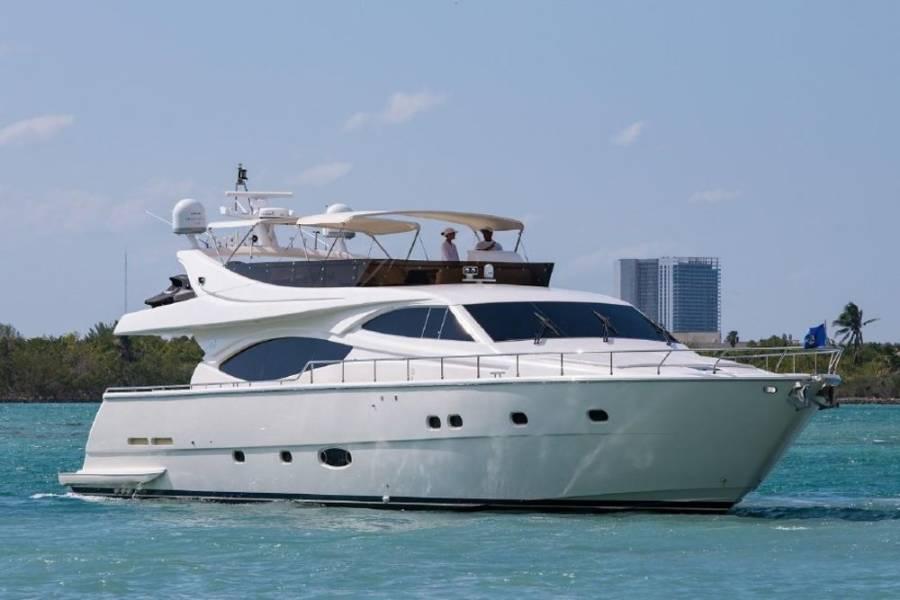 Ferretti Yachts 760 - 4 + 2 cab