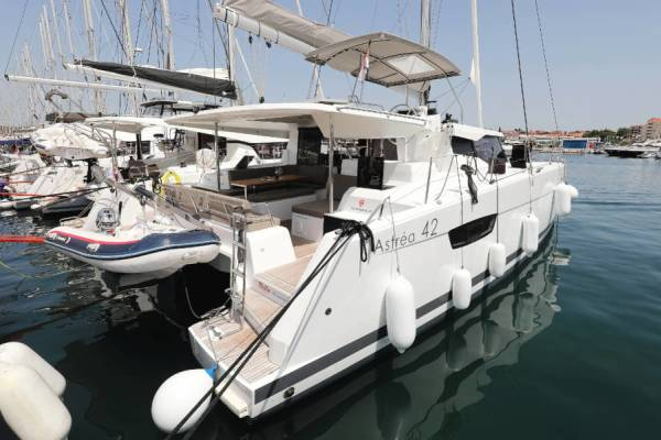 Fountaine Pajot Astrea 42 | Bella V