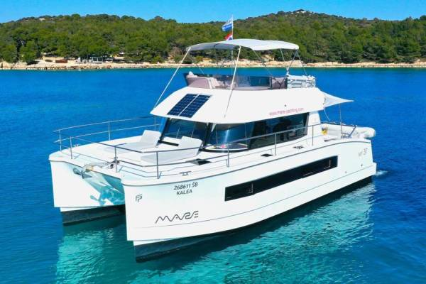 Fountaine Pajot MY 37 | Kalea