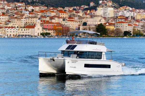 Fountaine Pajot MY 37 | Thunderball