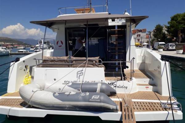 Fountaine Pajot MY 37 | MY holiday with AC and generator