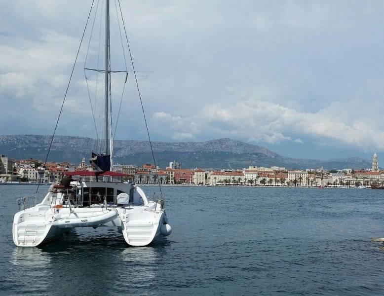 Lagoon 380 S2  | Dalmatian Dream