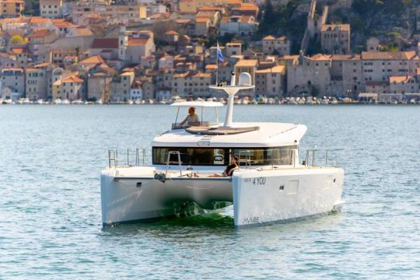 Lagoon 40 MotorYacht | 4 YOU