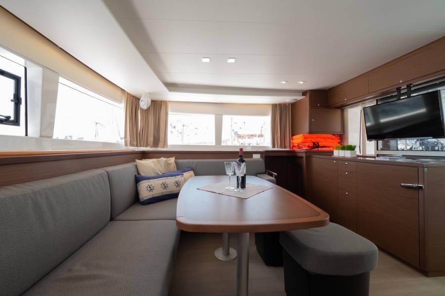 Lagoon 450 F  | Summer Wind 1 (AC 4 cabin version, generator, icemaker)