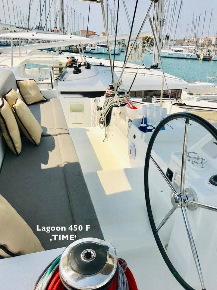 Lagoon 450  | TIME