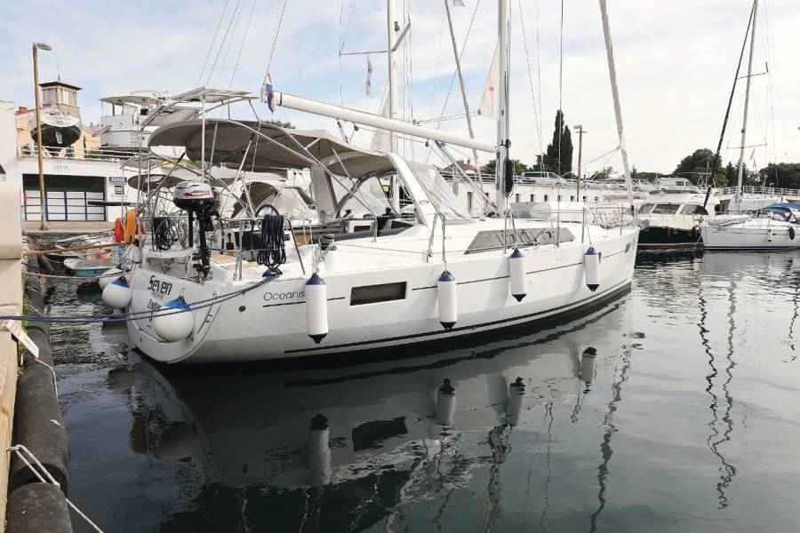 """Oceanis 41.1  