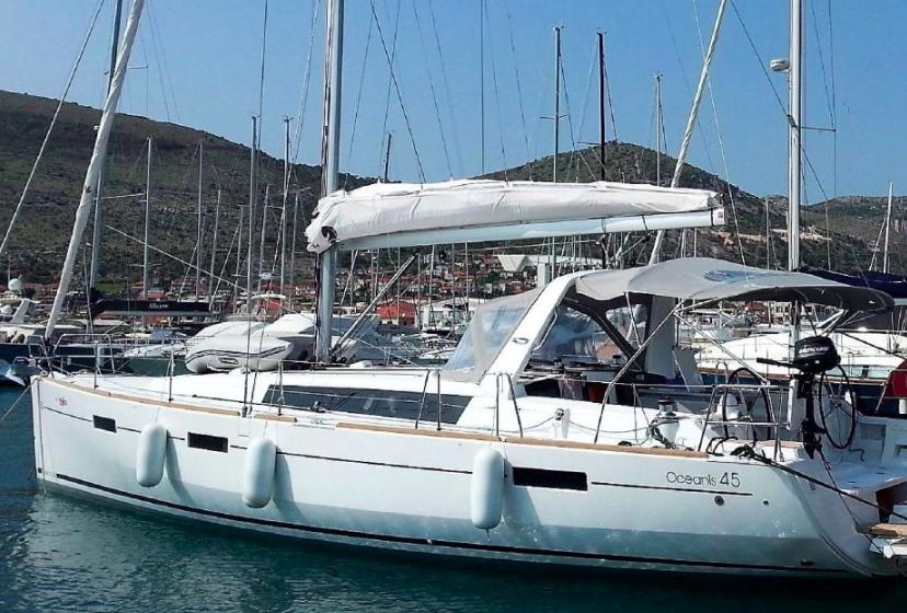 Oceanis 45    Marina