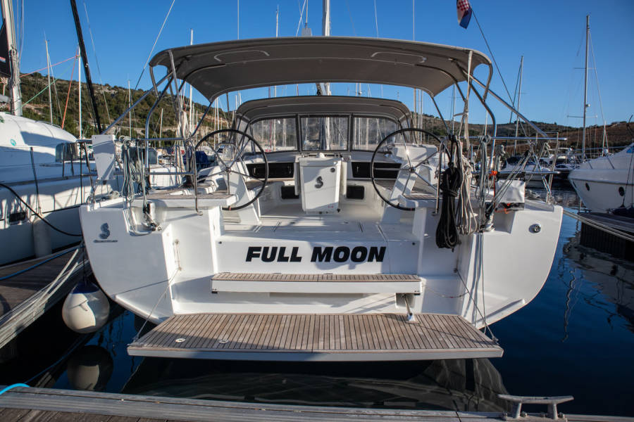 Oceanis 51.1  | Full Moon