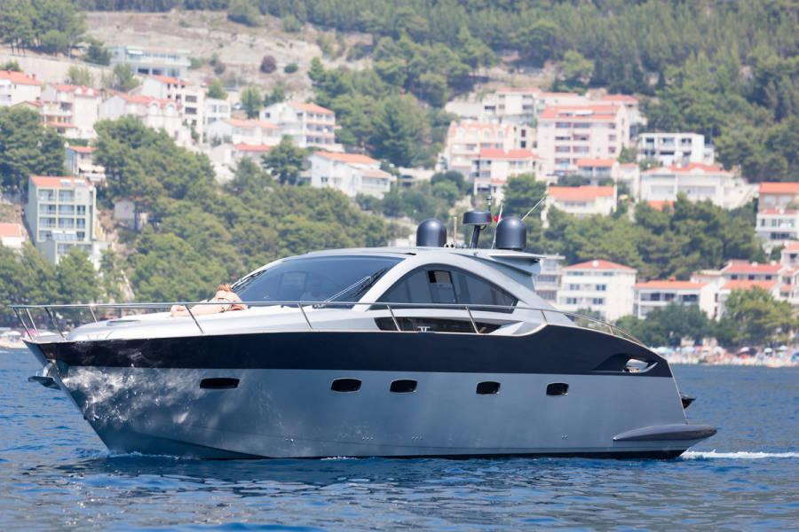 Pearlsea 56 Coupe | Silver Arrow