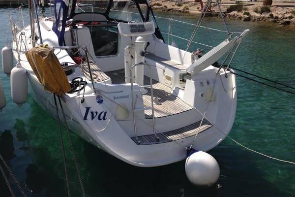 Sun Odyssey 32i | Iva