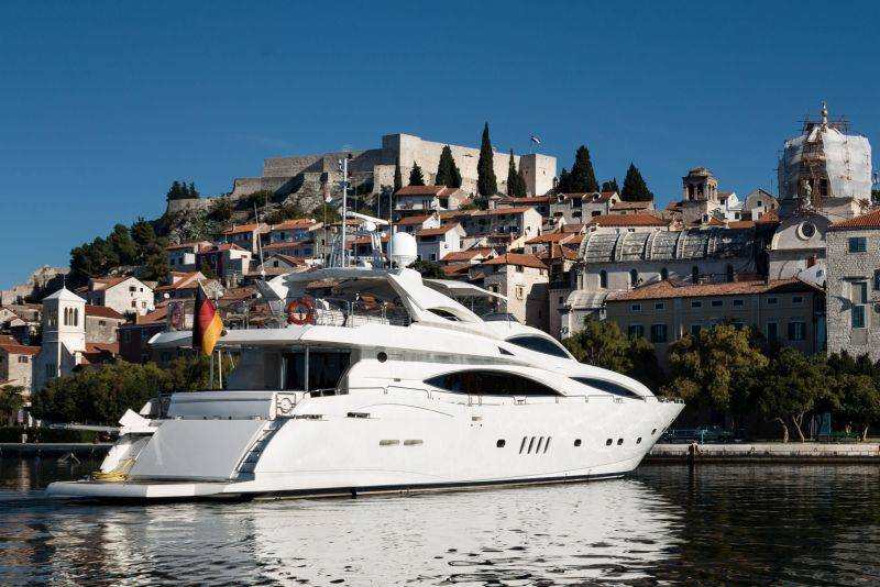 Sunseeker Yacht 105 | Baby